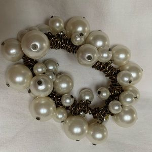 Jcrew antique gold and pearl stretchy bracelet